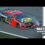 Watch: Truex runs over Elliott's fuel can | NASCAR's Daytona 500