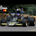 Amazing double-winged JPS Lotus 76 rapid Goodwood run